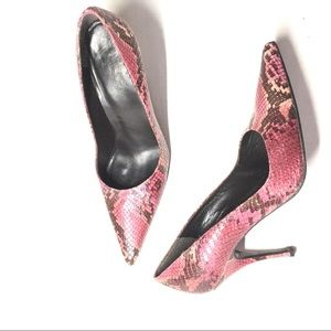 Stuart Wieztman Python Pointed Pumps